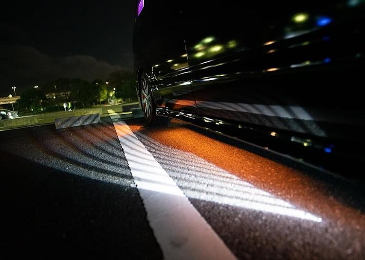 ノア AZR60GのDIY,天使の羽LED,アンダーLED,インスタ映え,流行り?に関するカスタム&メンテナンスの投稿画像1枚目