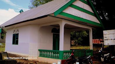 Photo: Makam I-Lo'mo ri Antang. Lokasi : Antang, Kec. Manggala, Makassar, Indonesia. I-Lo'mo ri Antang adalah salah satu penyebar agama Islam di Kerajaan Gowa dan Tallo. http://nurkasim49.blogspot.com/2011/12/ii.html