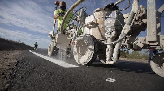 Diputación renueva 10 km de carreteras de Níjar