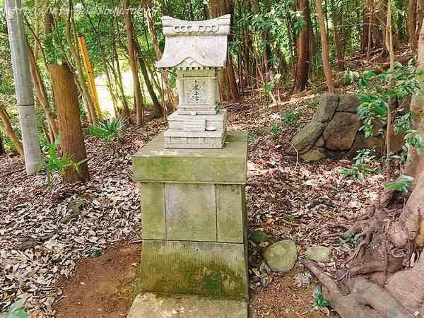 中山白山神社