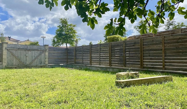 Maison avec jardin et terrasse Le Haillan