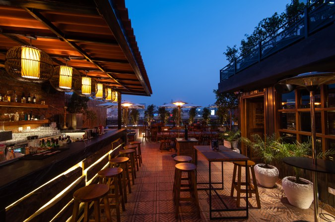 places-with-no-cover-charge-gurgaon_adda_by_striker