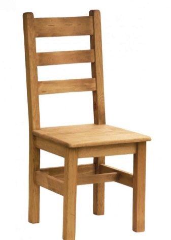 Деревянный стул со спинкой