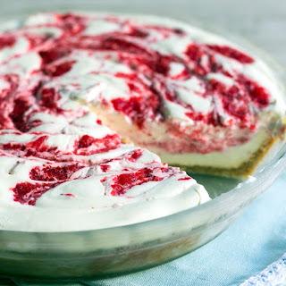 No Bake Strawberry Lemonade Pie.