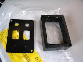 Photo: Frabrico con nylon y chapa una caja del mismo aspecto que el Truma