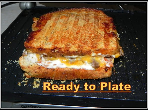 Now you are ready to plate your Panini and slice it to serve.