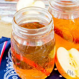 Quick Apple Pie Moonshine.