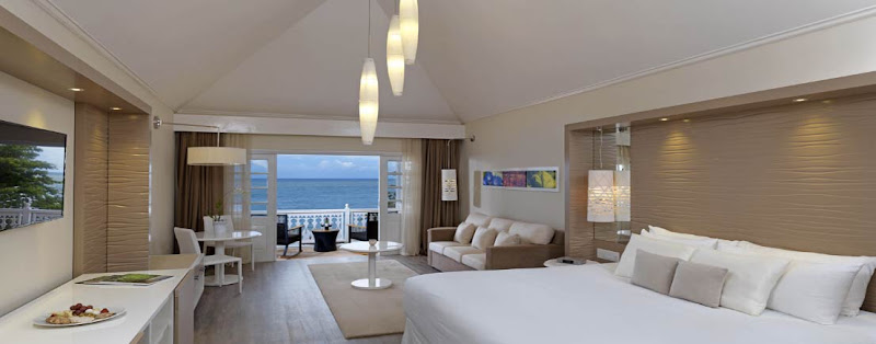 The Level Oceanfront Room at Meliá  Braco Village. (Click to enlarge.)