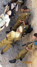 Photo: 40,000 troops to be called up to duty this week in Gaza frontline... not that close to old city