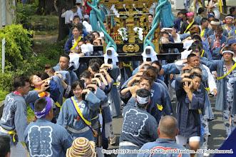Photo: 【平成24年(2012) 本宮】  田中地区での渡御。女性陣が先をとる。