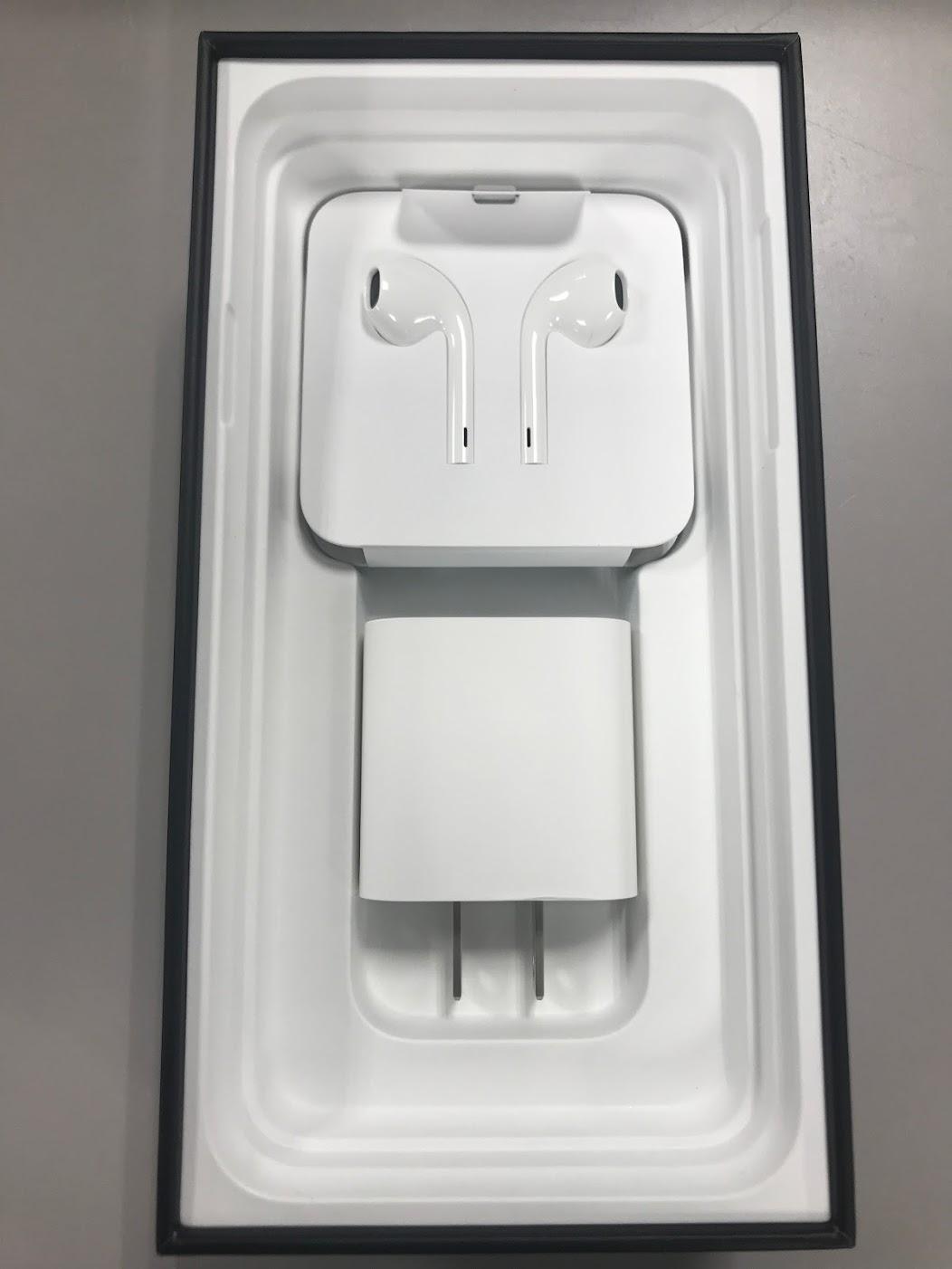 iPhone11 Pro Max イヤホンと充電器