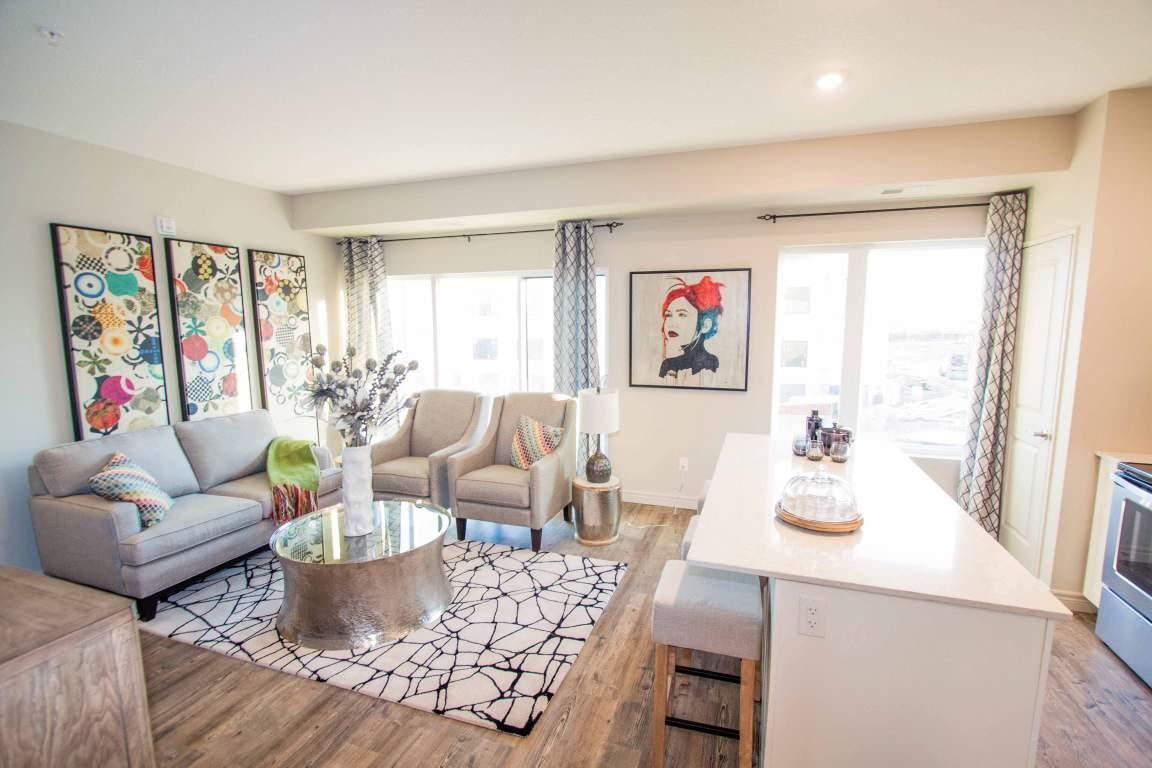 1511978004_cinque-apartment-livingroom.jpg