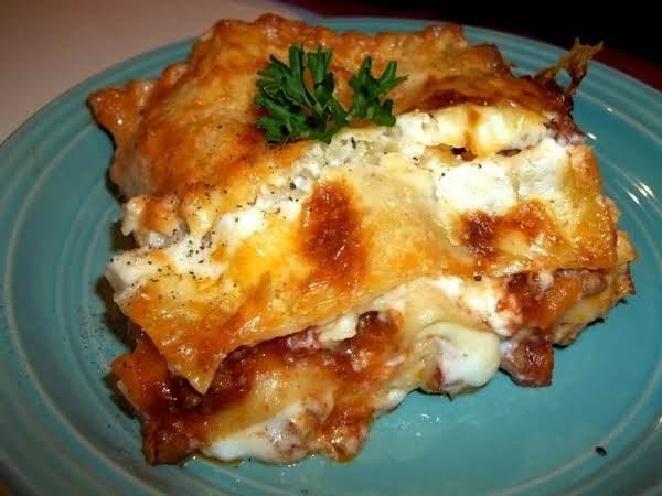 ~ Family Favorite Lasagna  ~ Recipe