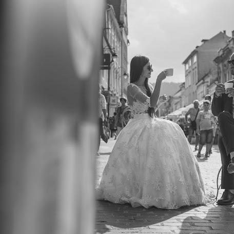 Wedding photographer Sandu Iulian marian (theperspective). Photo of 13.10.2017