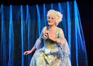 """Photo: Theater an der Wien/ Spielort """"Hölle"""": """"IM SIEBENTEN HIMMEL"""" von Georg Wacks nach Fritz Grünbaum. Premiere 28. 10.2015. Elena Schreiber. Copyright: Barbara Zeininger"""