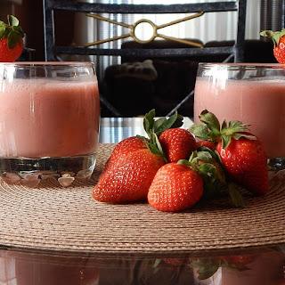 Strawberry Banana Coconut Smoothie