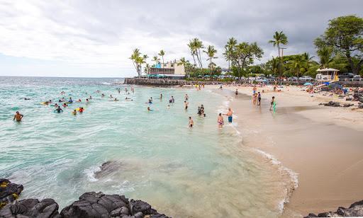 magic-sands.jpg - A quieter scene along Magic Sands on the isle of Hawaii.