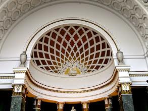 Photo: A külső és belső díszítések javarészt ősmagyar motívumok felhasználásával készültek.