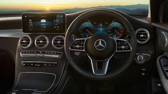 ห้องโดยสาร Mercedes-Benz GLC 220 d
