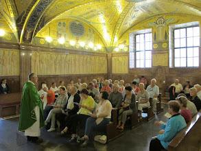 Photo: It.s2C51-141013Cassino, Abbaye, crypte basilique-cathédrale, célébrant avec le groupe  IMG_6544
