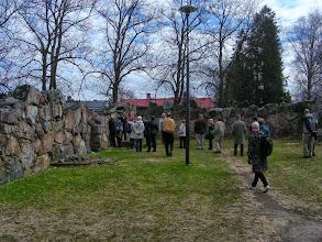Photo: 011 Pyhän Kolminaisuuden kirkon raunioilla