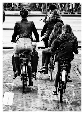 Passeggiando in bicicletta di luly972