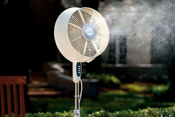 Quạt phun sương giúp mùa hè bớt oi bức, nóng nực