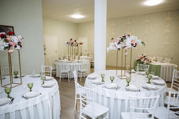 Фото №9 зала Банкетный зал с мансардными окнами