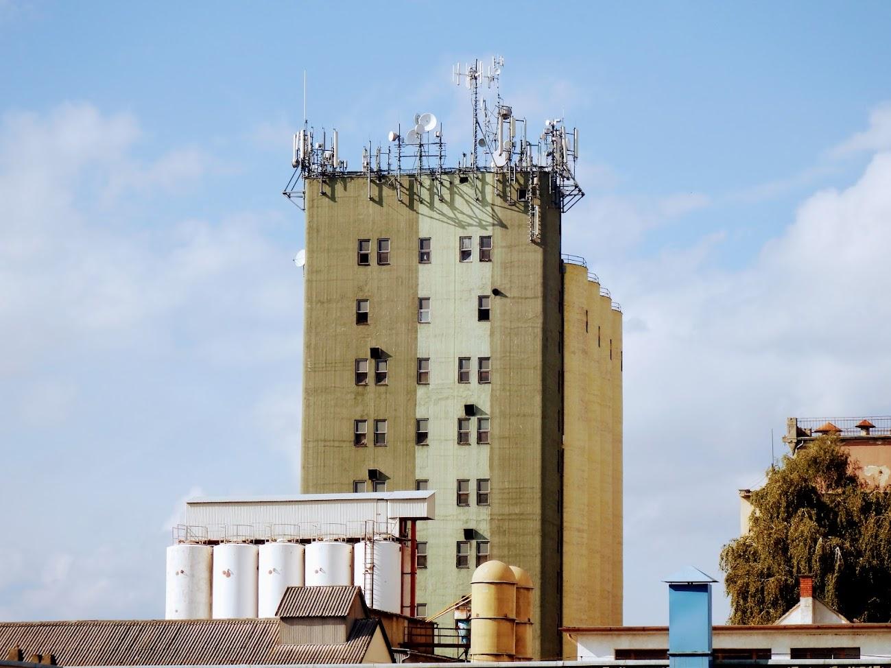 Szombathely/gabonatároló - helyi URH-FM adóállomás