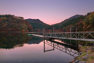 Photo: Sunset on Usui Lake  This was the final stop +Anthony Wood and I took during a recent 3 day trip across several prefectures, and what a great way to end the trip! The colors of autumn and the sunset put on a nice display for us, and the lake was calm, with hardly anyone else around. These are the kinds of photographic moments I live for! :)  Blog post: http://lestaylorphoto.com/sunset-on-usui-lake/  #japan #sunset #travel #hdr #nikon #夕焼け #群馬県