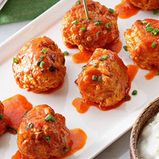 Buffalo Chicken Meatballs with Bleu Cheese Dipping Sauce (Fresh Flavors March '16)