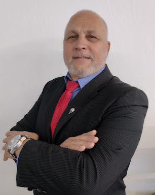 Elton Ceroni de Araujo