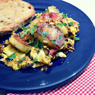 Egg Scramble with Potatoes, Bacon and Onion or Amana HoppelPoppel