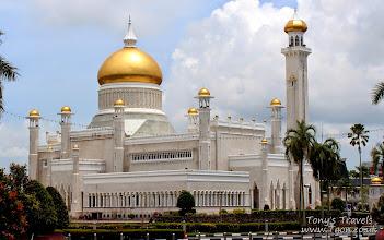 Photo: Sultan Omar Ali Saifuddin Mosque, Bandar Seri Begawan, Brunei