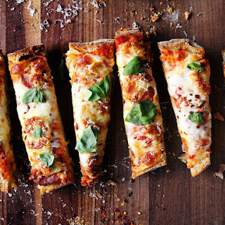Easiest Pizza Ever (Loaf Bread Pizza).