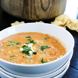 SLOW COOKER CHICKEN CHILI DIP.