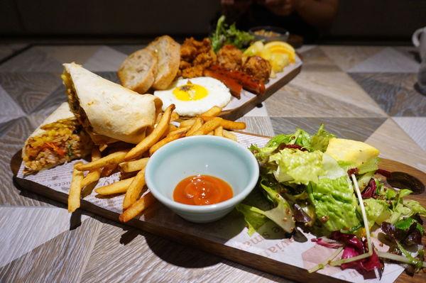 飲食客 IN STOCK-餐酒館級的早午餐x古屋特色裝潢/ 中西區早午餐/ 高雄早午餐推薦
