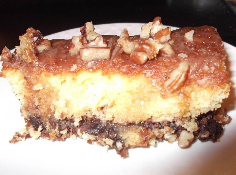 Rose S Gooey Praline Cake Recipe Just A Pinch Recipes