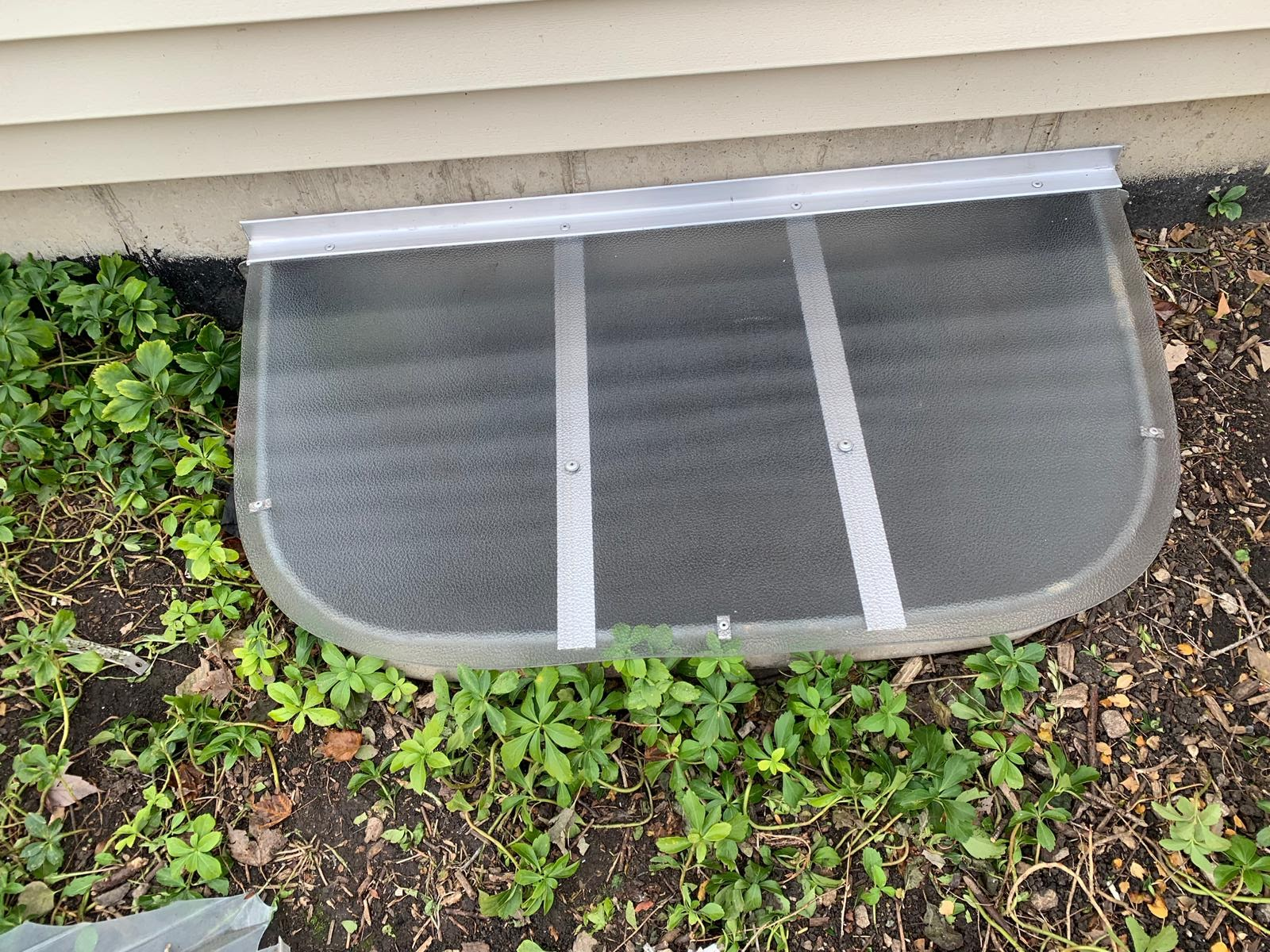 Schaumburg, IL-HandyManny Custom Window Well Covers