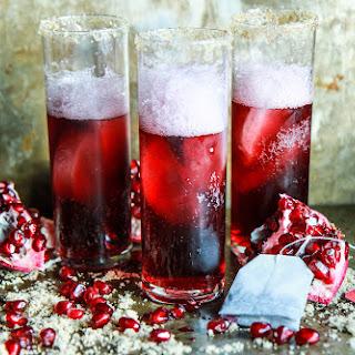 Sparkling Pomegranate Black Tea and Currant Cocktails Recipe