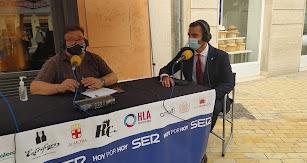 El alcalde de Almería, Ramón Fernández-Pacheco, pasó la SER para hablar del homenaje a 'Los Coloraos'
