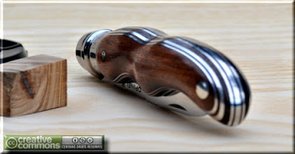 Photo: Opinel custom n°093 Amarante, aluminium. http://opinel-passions-bois.blogspot.fr/ Personnalisations en marquèterie de bois précieux, cornes, résines et aluminium du couteau pliant de poche de la célèbre marque Savoyarde Opinel.