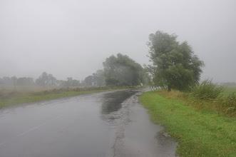 Photo: To zdjęcie doskonale oddaje warunki pogodowe drugiego dnia wyprawy. 160km w silnym deszczu i na mocnym, przeciwnym wietrze - to było jedno z najcięższych kolarskich doświadczeń w moim życiu