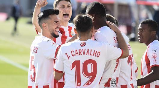 El Almería disfruta en la 'Primera'
