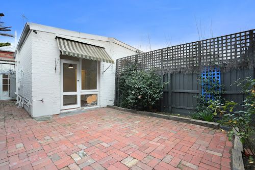 Photo of property at 10 Mell Street, Toorak 3142