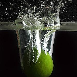 Pixoto Squash Splashing.jpg