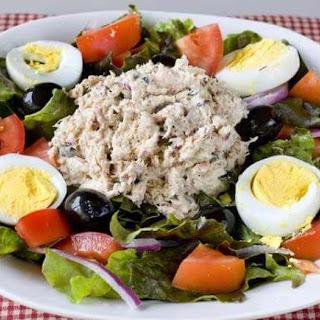 Niçoise Tuna Salad with Homemade Dressing