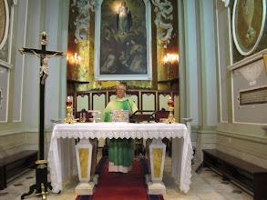 Photo: It.s2C41-141012Torre Del Greco, Santa Maria Del Principio, célébrant, à l'autel  IMG_6317