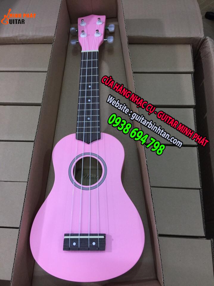 Đàn ukulele màu hồng
