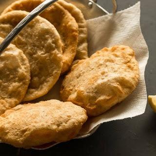 Radhaballabhi Recipe (Bengali Stuffed Poori With Spiced Urad Dal)